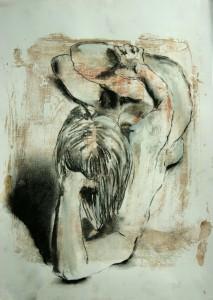 Liegende-auf-linker-Seite-stu Tzend-vom-Kopf-aus-213x300 in weibliche Figur